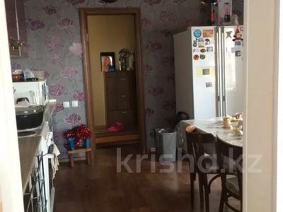 8-комнатный дом, 242 м², 10 сот., 8 микрорайон 50 за 25 млн 〒 в Балхаше — фото 5