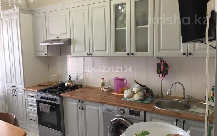 3-комнатная квартира, 83 м², 4/9 этаж, Желой массив Каргала 25 за 16 млн 〒 в Актобе, Нур Актобе