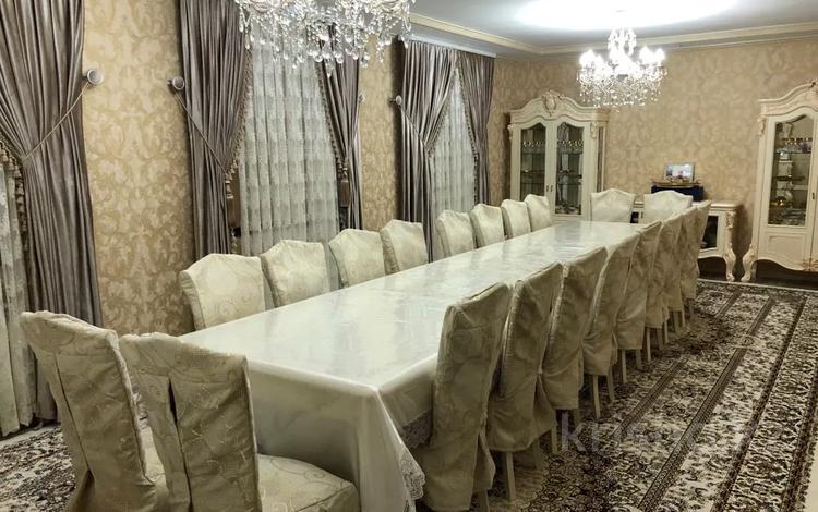 10-комнатный дом, 300 м², 14 сот., Астана 102 за 60 млн 〒 в