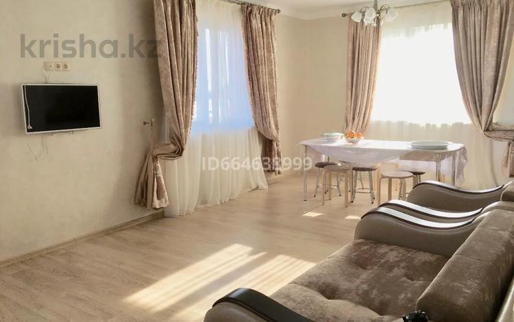 5-комнатный дом помесячно, 136 м², 10 сот., Нияз би за 1.5 млн 〒 в Нур-Султане (Астане), Есильский р-н