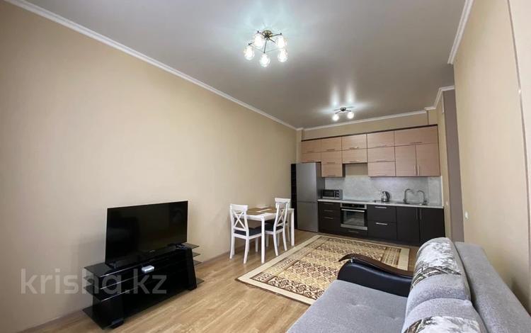 2-комнатная квартира, 48 м², 6/6 этаж посуточно, Улы Дала 6 — Сауран за 12 000 〒 в Нур-Султане (Астана), Есиль р-н