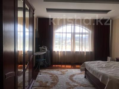 3-комнатная квартира, 123 м², 13/19 этаж, Альфараби 76 — Ходжанова за 57.4 млн 〒 в Алматы, Бостандыкский р-н — фото 9
