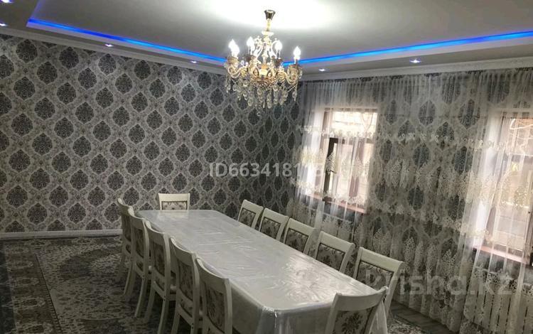 5-комнатный дом, 210 м², 8 сот., мкр Кайтпас 2 — Асфендиярова за 47 млн 〒 в Шымкенте, Каратауский р-н