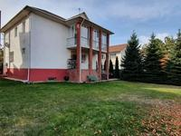 4-комнатный дом помесячно, 320 м², 10 сот.