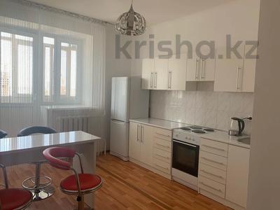 1-комнатная квартира, 45 м², 9/12 этаж посуточно, Сарыарка 11 за 10 000 〒 в Нур-Султане (Астане), Сарыарка р-н