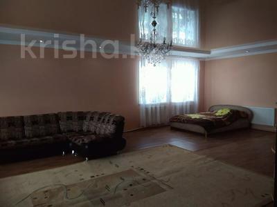 10-комнатный дом, 450 м², 15 сот., Мкр Отрадное 580 за 20 млн 〒 в Темиртау — фото 11