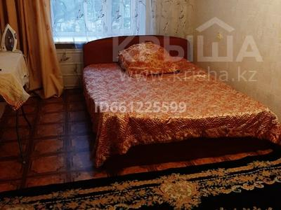 3-комнатная квартира, 65 м², 3/5 этаж помесячно, Алиханова 39 — Гоголя за 100 000 〒 в Караганде, Казыбек би р-н — фото 7