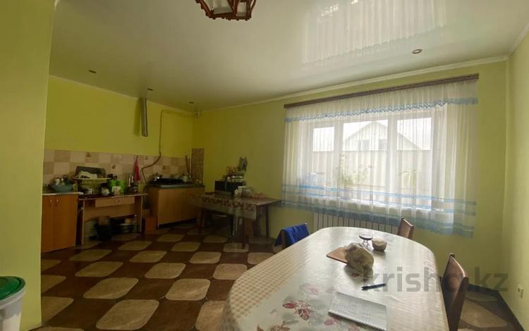 6-комнатный дом, 310 м², 8 сот., Микрорайон Восточный за 28.5 млн 〒 в