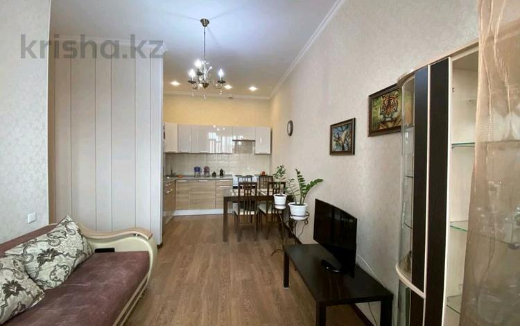 2-комнатная квартира, 42 м², 9/9 этаж, Гульдер 1/4 за 19.9 млн 〒 в Караганде, Казыбек би р-н