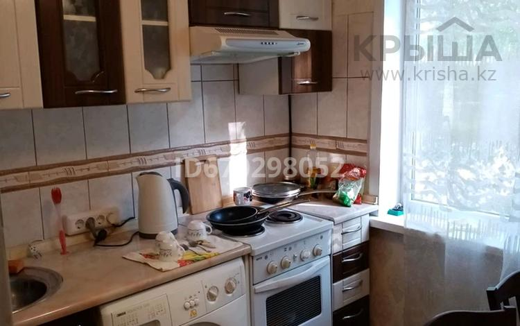 3-комнатная квартира, 60 м², 2/5 этаж, Михаэлиса 1 за 15.5 млн 〒 в Усть-Каменогорске