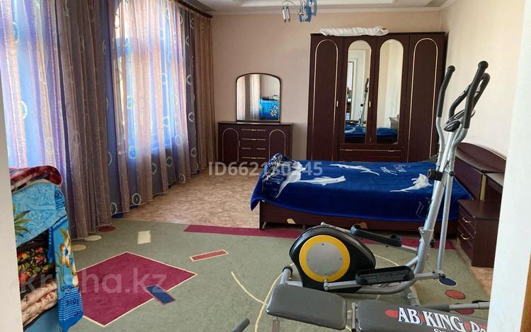11-комнатный дом, 337.5 м², 0.08 сот., Крупская 72 за 40 млн 〒 в Таразе