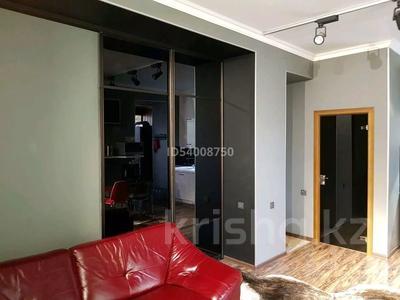 2-комнатная квартира, 57 м², 3/4 этаж помесячно, Бухар жирау 28 за 250 000 〒 в Караганде, Казыбек би р-н — фото 4