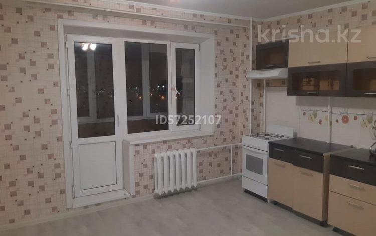 2-комнатная квартира, 70.7 м², 10/10 этаж, мкр Кунаева за 13.5 млн 〒 в Уральске, мкр Кунаева