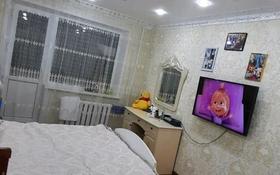 3-комнатная квартира, 63 м², 4/5 этаж, мкр Майкудук, 16й микрорайон 22 за 15.5 млн 〒 в Караганде, Октябрьский р-н