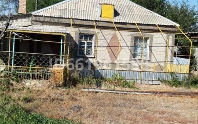 4-комнатный дом, 70 м², 6 сот., Аскарова 242 за 15 млн 〒 в Таразе