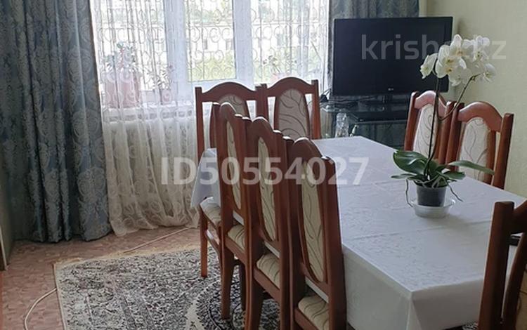 3-комнатная квартира, 67 м², 7/10 этаж, 11 мкр д 10 10 за 13.9 млн 〒 в Актобе, мкр 11