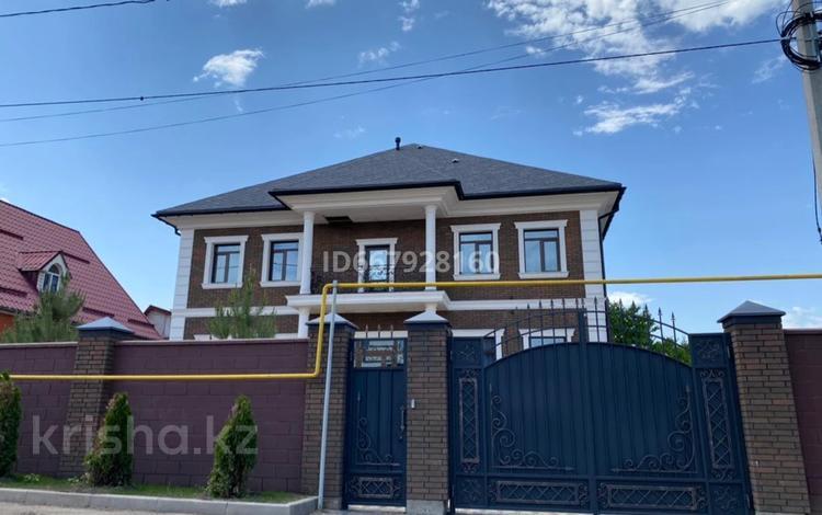10-комнатный дом посуточно, 700 м², 8 сот., мкр Таугуль-3 за 250 000 〒 в Алматы, Ауэзовский р-н