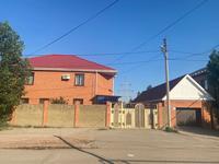 6-комнатный дом, 245.5 м², 10 сот., Газизы жубановой 33а за 63 млн 〒 в Актобе