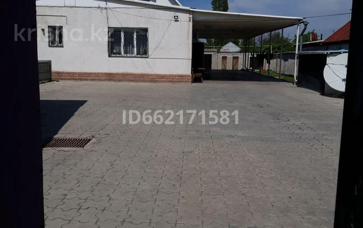 6-комнатный дом, 250 м², 15 сот., Ташкентская 226 — Комратова за 73 млн 〒 в Таразе
