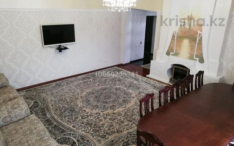 7-комнатный дом, 335.8 м², 5 сот., Абая за 78 млн 〒 в Костанае