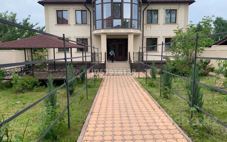 8-комнатный дом, 630 м², 10 сот., мкр Таусамалы 43 — Ниязбекова за 90 млн 〒 в Алматы, Наурызбайский р-н