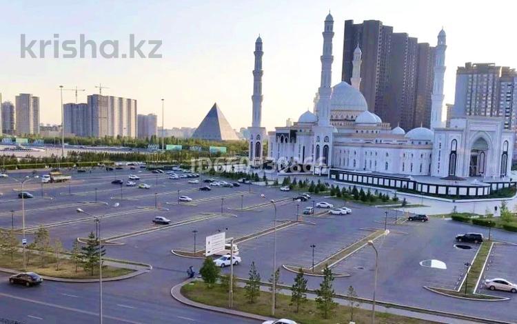 1-комнатная квартира, 50 м², 5 этаж помесячно, Аманжолова 32 — Байтурсынова за 150 000 〒 в Нур-Султане (Астана)