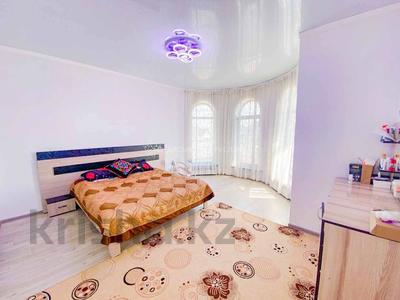 4-комнатный дом, 220 м², 10 сот., Бериктас 63 за 65 млн 〒 в Талдыкоргане — фото 7