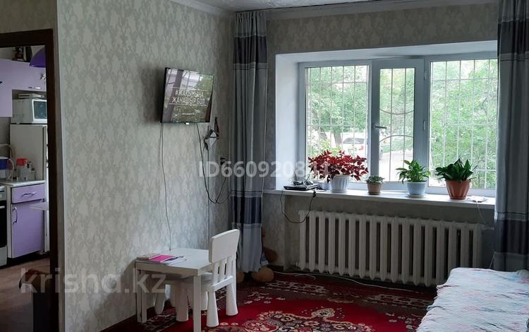 1-комнатная квартира, 34 м², 1/4 этаж, Титова 149 за 6 млн 〒 в Семее