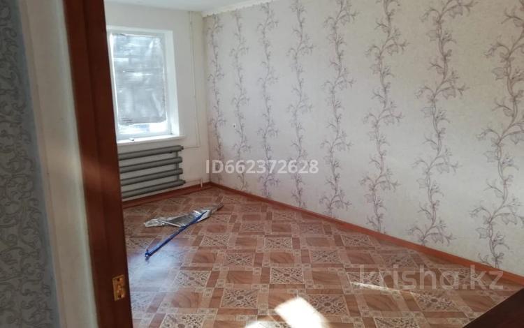 2-комнатная квартира, 48 м², 1/5 этаж, Хромтау абая за 6.5 млн 〒
