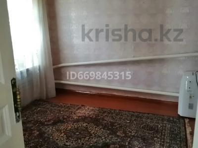 6-комнатный дом, 100 м², 6 сот., Чапаева 52 за 16 млн 〒 в Уральске