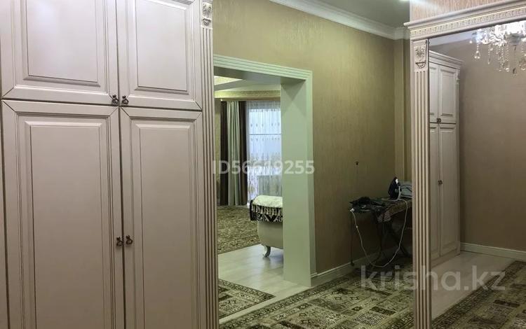 2-комнатная квартира, 110 м², 5/15 этаж, мкр Мамыр-7 за 43 млн 〒 в Алматы, Ауэзовский р-н