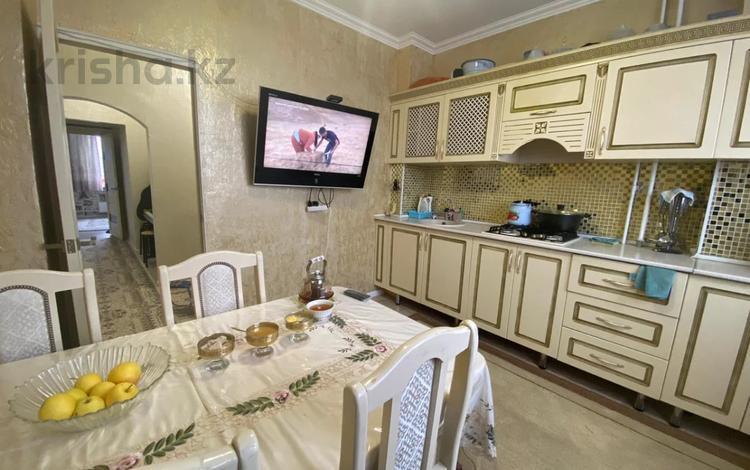3-комнатная квартира, 72 м², 8/9 этаж, мкр Аксай-5, Мкр Аксай-5 за 30.5 млн 〒 в Алматы, Ауэзовский р-н