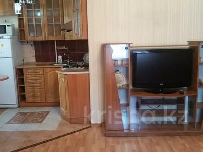 1-комнатная квартира, 40 м², 2/4 этаж посуточно, Уранхаева — Валиханова за 6 000 〒 в Семее — фото 3