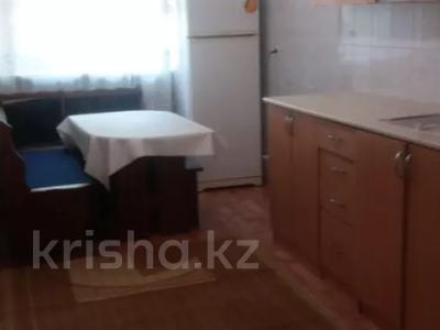 1-комнатная квартира, 45 м², 3/6 этаж помесячно, Женис 17А — Сакена Сейфуллина за 90 000 〒 в Нур-Султане (Астана), Сарыарка р-н — фото 3