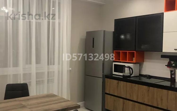 1-комнатная квартира, 56 м², 7/14 этаж посуточно, 17-й мкр 6 за 11 000 〒 в Актау, 17-й мкр