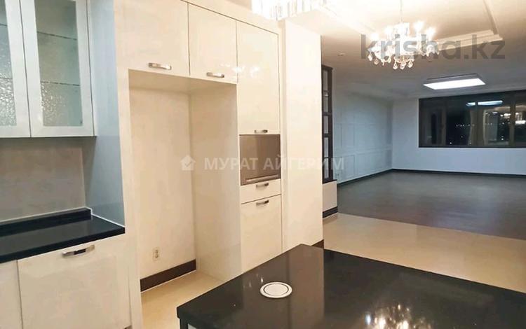 4-комнатная квартира, 140 м², Р.Кошкарбаева 10 за 77.9 млн 〒 в Нур-Султане (Астане), Алматы р-н