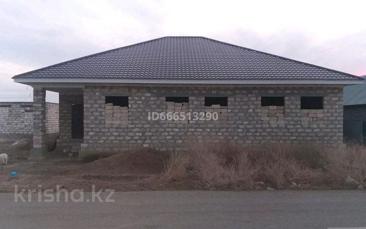 5-комнатный дом, 220 м², 8 сот., мкр Водников-2 66 за 13 млн 〒 в Атырау, мкр Водников-2