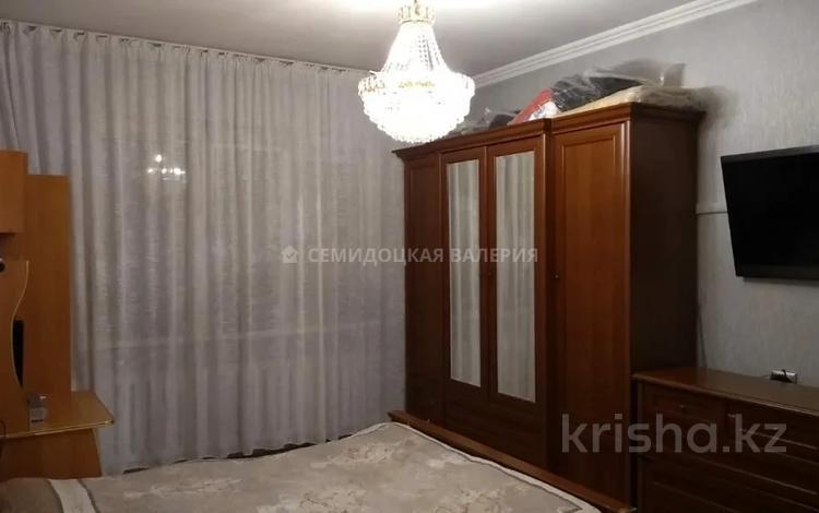 1-комнатная квартира, 41 м², 5/5 этаж, мкр Аксай-2, Мкр Аксай-2 — Елемесова за 15.8 млн 〒 в Алматы, Ауэзовский р-н