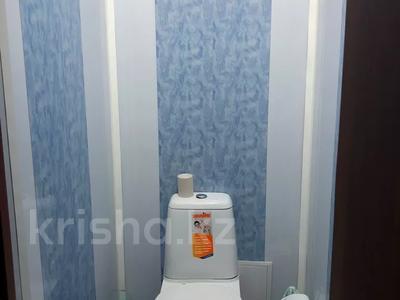 3-комнатная квартира, 64.9 м², 1/2 этаж, Казбекова 30 за 9 млн 〒 в Балхаше — фото 10