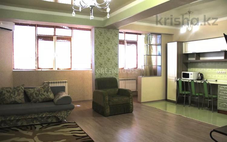 1-комнатная квартира, 60 м² посуточно, 17-й мкр 5 за 9 000 〒 в Актау, 17-й мкр
