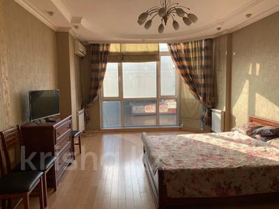 1-комнатная квартира, 52 м², 6/9 этаж по часам, мкр Таугуль, Мустай Карима 12/14 — Саина за 2 000 〒 в Алматы, Ауэзовский р-н — фото 4