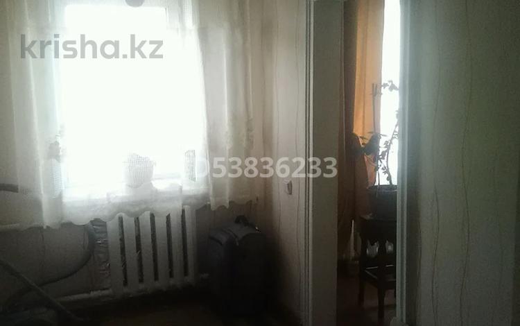 4-комнатный дом, 52.7 м², 6 сот., Юная 74 за 6.3 млн 〒 в Караганде, Октябрьский р-н