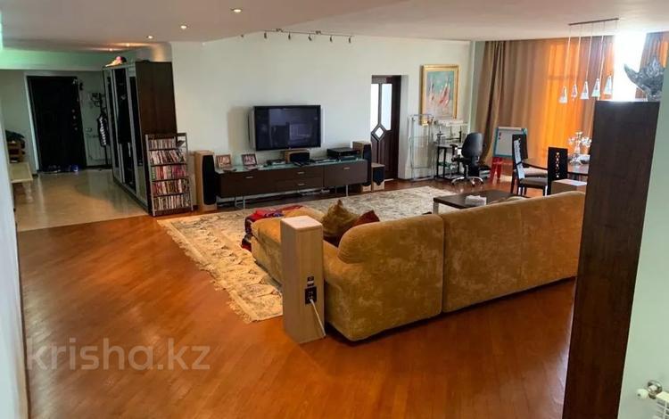 3-комнатная квартира, 200 м², 7/10 этаж поквартально, Достык 132 за 750 000 〒 в Алматы, Медеуский р-н
