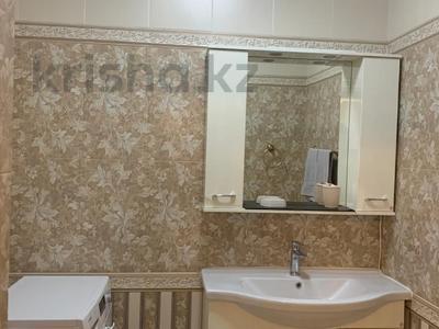 4-комнатный дом помесячно, 378 м², 20 сот., Жанару 688 за 2 млн 〒 в Алматы, Бостандыкский р-н — фото 2