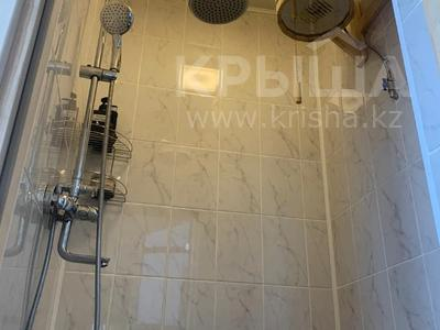 4-комнатный дом помесячно, 378 м², 20 сот., Жанару 688 за 2 млн 〒 в Алматы, Бостандыкский р-н — фото 12