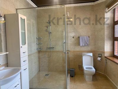 4-комнатный дом помесячно, 378 м², 20 сот., Жанару 688 за 2 млн 〒 в Алматы, Бостандыкский р-н — фото 15