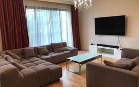5-комнатный дом помесячно, 250 м², Жамакаева 256А за 1.1 млн 〒 в Алматы, Медеуский р-н