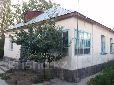 5-комнатный дом, 80 м², 6 сот., Матросова 66 за 7 млн 〒 в Таразе — фото 2