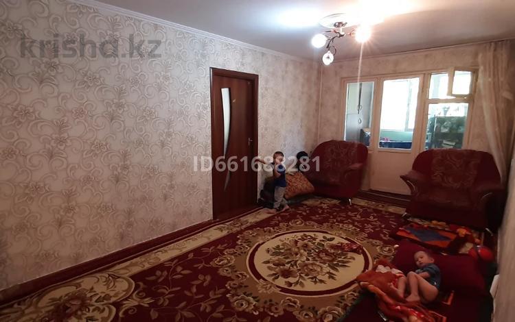 4-комнатная квартира, 72 м², 1/5 этаж, 16-й микрорайон, 16-й микрорайон за 19.4 млн 〒 в Шымкенте, Енбекшинский р-н