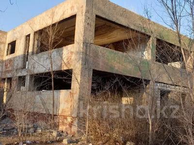 Здание, площадью 2000 м², Восток 1 7 за 60 млн 〒 в Караганде, Октябрьский р-н